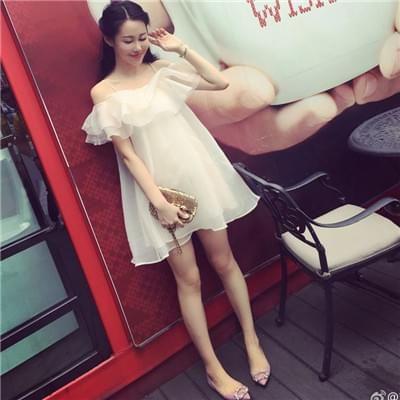 清新网纱荷叶边连衣裙